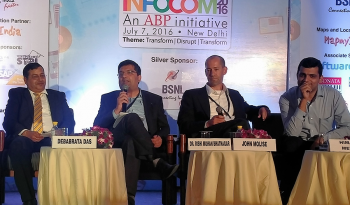 Dr Rishi leading the panel discussion in Infocomm 2016 held in July'16.